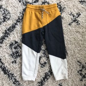Genuine Kids from OshKosh pants 3T